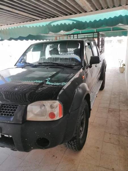 À vendre voiture Nissan Navara D22 double pont à 25000dt