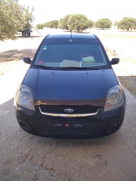 Ford fiesta à vendre 2eme mains