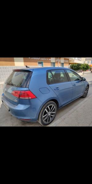Golf 7 essence 5 ch toutes option parking automatique