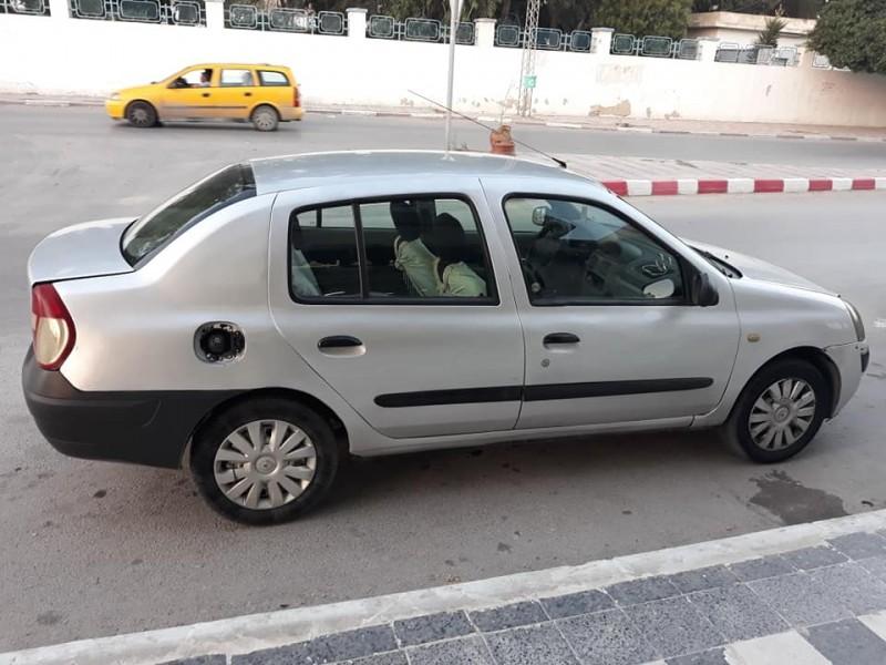 Renault clio  très propre