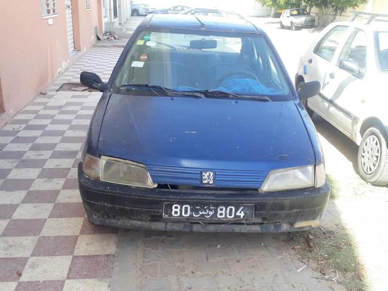 Peugeot 106 modèle 1998  essence