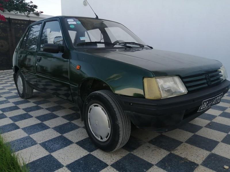 Peugeot 205 4cv essence
