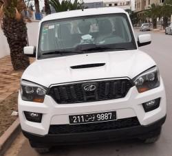 camion mahindra 4 portes