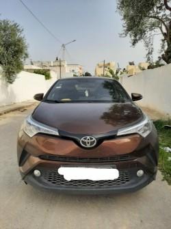 Toyota CHR en très bonne état contactez le 26 679 297