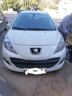 Peugeot 207 essence fin 2012